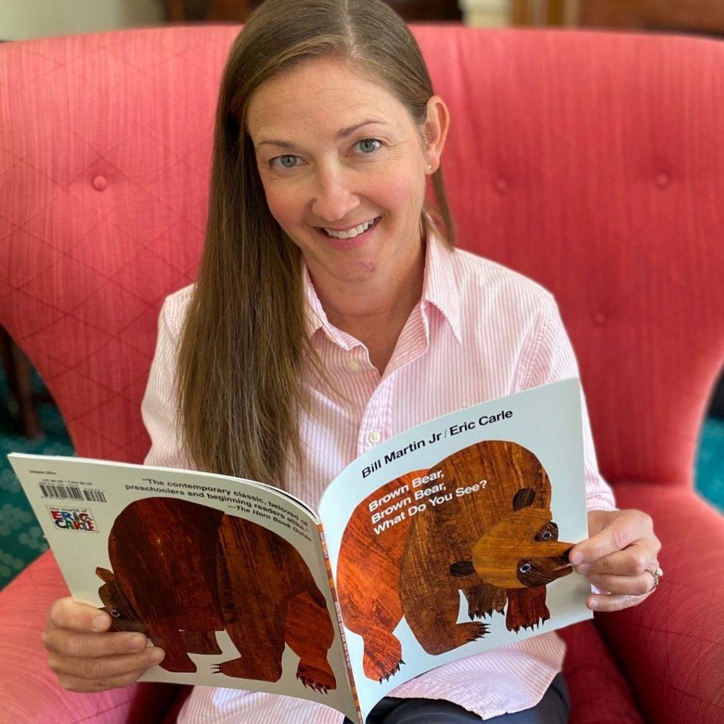 teacher read aloud of brown bear brown bear